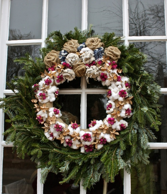 Williamsburg Christmas Decorating Ideas: Breaking New Ground In Zone 6