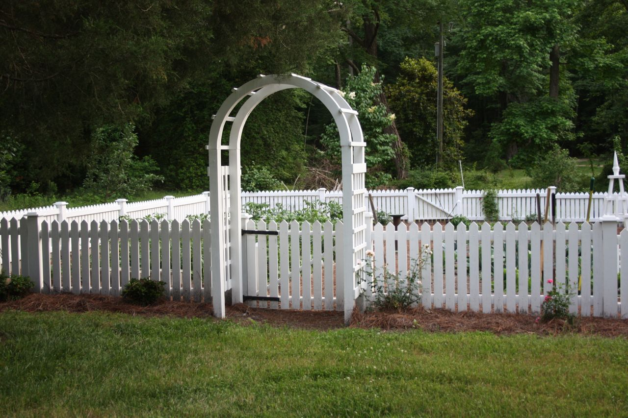 Small Garden Fences For Dogs